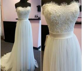 Simple Ivory Tulle S..