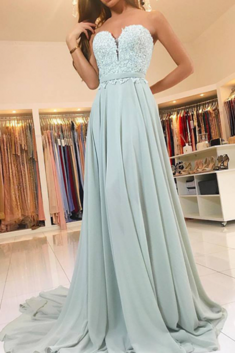 Plunging Sweetheart Prom Dress , Sweep Train Chiffon Formal Gown With Lace Appliques