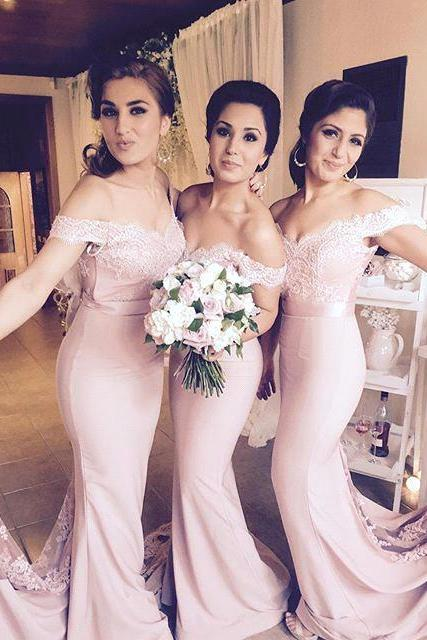 Pale Pink Jersey Off The Shoulder Lace Sweetheart Mermaid Bridesmaid Dresses With Button Covered Junior Bridesmaid Wedding Party Gowns