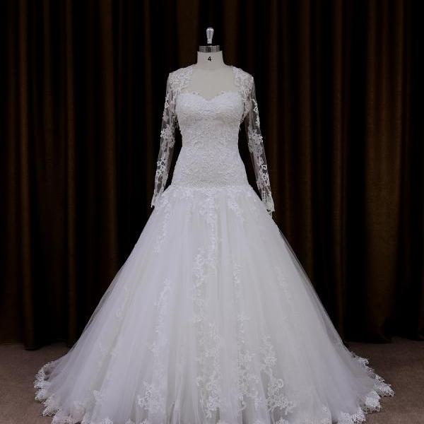 Charming Tulle Sweetheart Ball Gown Wedding Dress With Long Sleeves Jacket